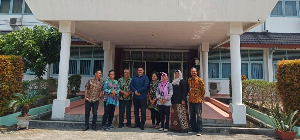 Consul General discusses matters of mutual interest with Archaelogical Survey of Palembang on 10 September